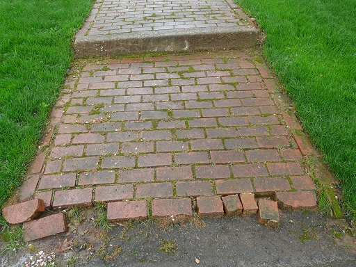Click to enlarge image 11050201-paver_brick-before-1.jpg